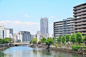 寒川大橋(都川)より大橋、千葉セントラルタワー方面を望む(出典:PIXTA)